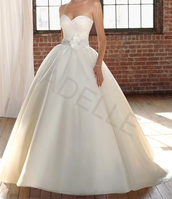 1cbae8b3b97 Luxusní svatební šaty